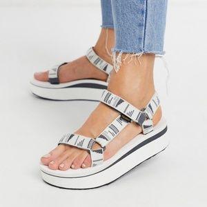 Teva Flatform Universal Sandals Chara Bright White